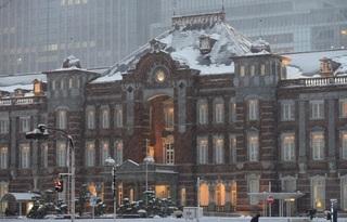 雪の東京駅.jpg